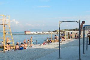 В Новороссийске началась подготовка пляжей к сезону
