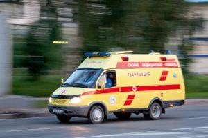 В Новороссийске мужчина умер, упав на козырек подъезда